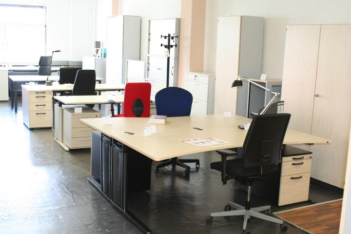 Ansicht des Düsseldorfer Showrooms von office-4-sale