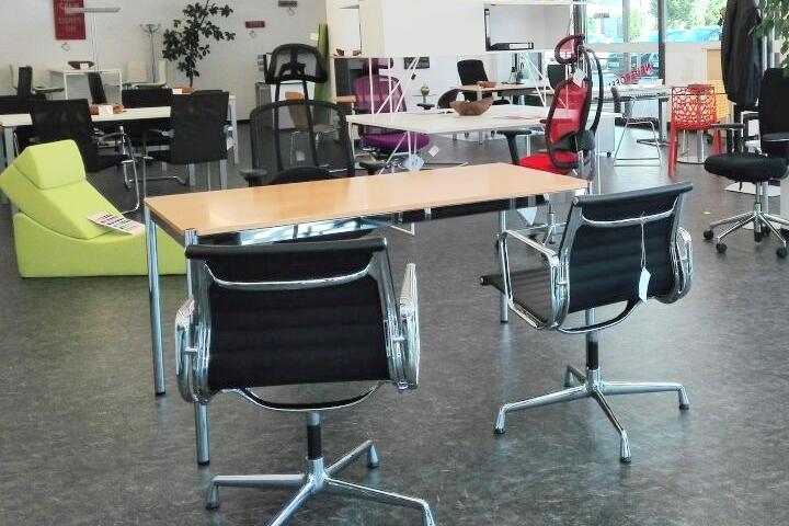 Ansicht des Heilbronner Showrooms von office-4-sale