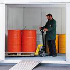 Isolierte Container für Gefahrstoffe