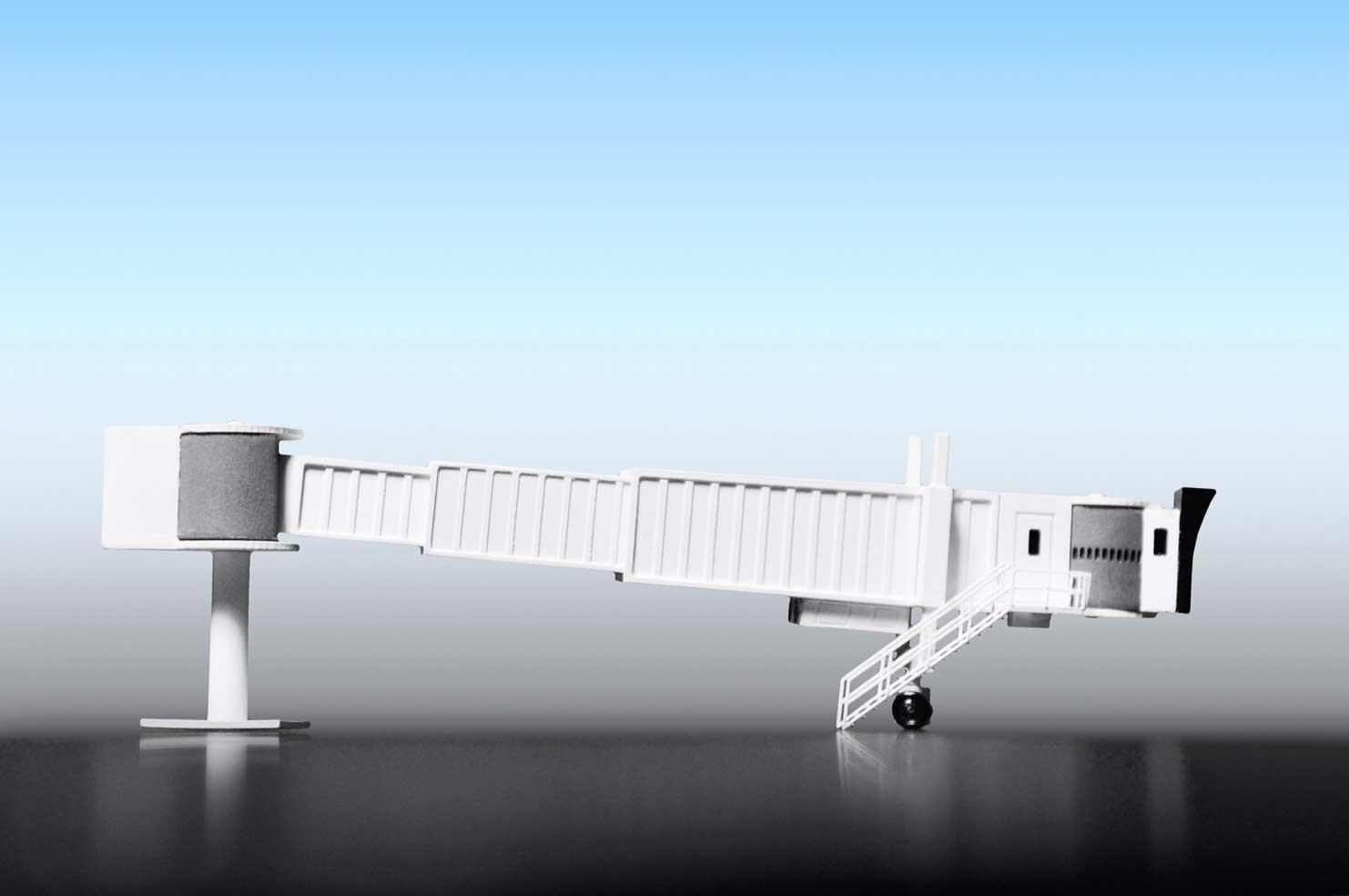 Fluggastbrücke Frabe weiss