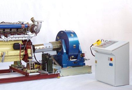 LKW-Motor an Motorleistungsprüfstand SE 400 mit wassergekühlter Wirbelstrombremse