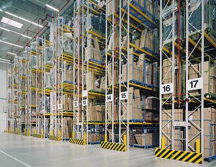 Palettenregal, OMEGA-Regalsystem, Mehrplatzsystem zur Lagerung palettierter Waren und Güter